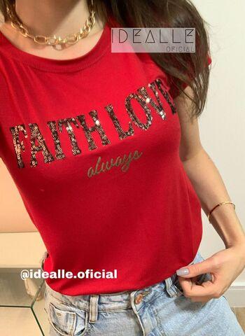 imagem T-Shirt Faith Vinho