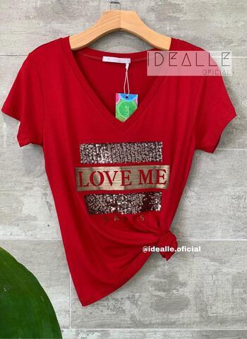 imagem T-Shirt Love Me Vinho